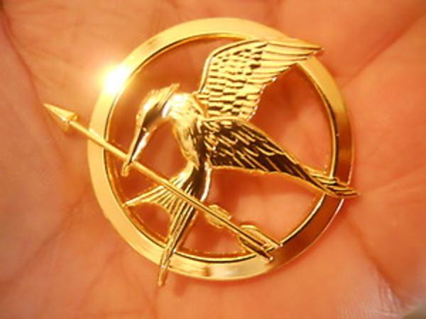 Hunger Games Mockingjay Pin Brooch Movie Bird Replica Badge Bronze Gift Jewelry