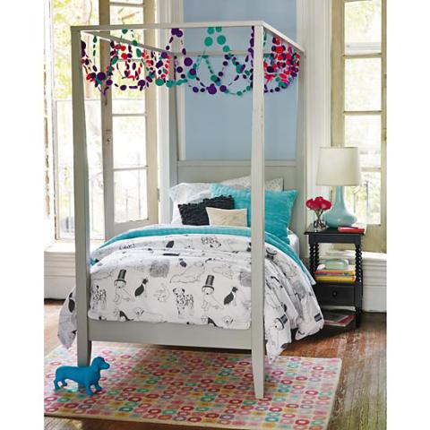 Liven up your kid 39 s room with 3 fun doggy designs for Dog themed bedroom ideas