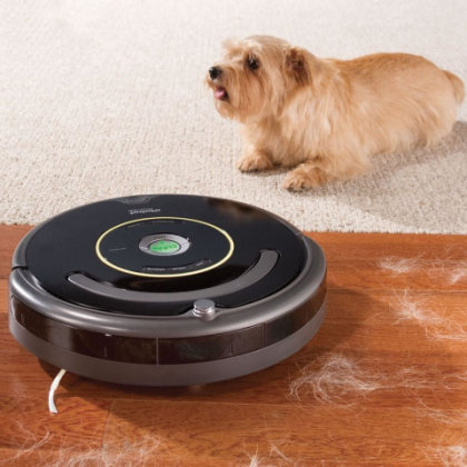 Pet Bowl Circumventing Roomba: by Hammacher Schlemmer