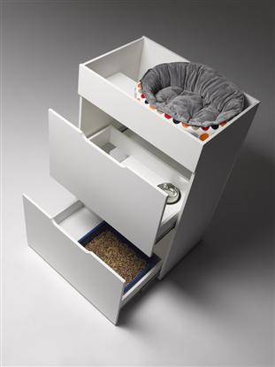 The 'Deluxe' Cat Condo interior from top: image via dogue.com.au
