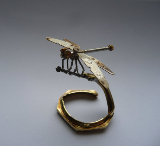 Clockwork Dragonfly by Gates: A diminutive dragonfly design of Gates'.