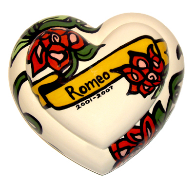 Romeo, Pet Urn