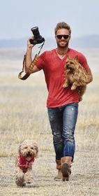 Seth Casteel with dogs Nala & Fritz
