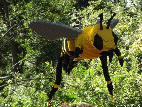Lego Bee (Photo by Annie Bear)