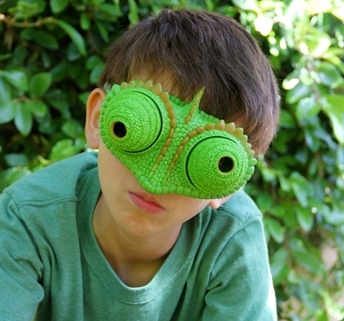 Uncle Milton Nat Geo Wild Go Wild Chameleon Vision Goggles