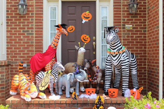Inflatable animals, a party theme for Halloween