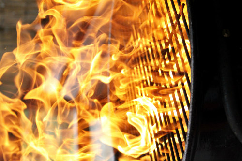 Kitty litter helps prevent grill fires