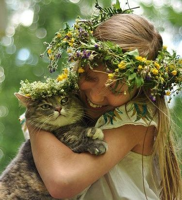 A Cat and his Girl (Image via Pinterest)