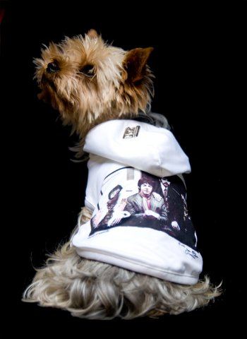 Manfred of Sweden white vintage Beatles t-shirt with hood for dogs: © Manfred of Sweden