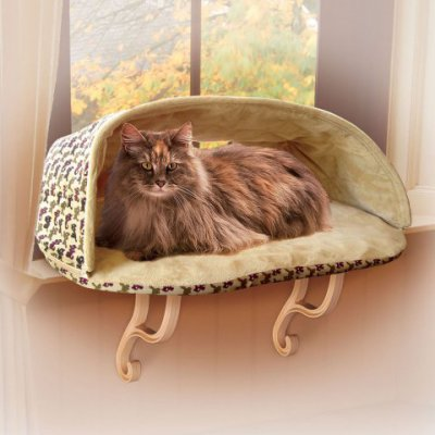 K&H Kitty Sill Deluxe with hood