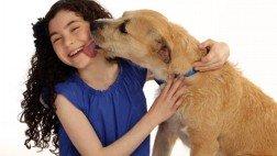 "Lillia Crawford & Sunny star in new ""Annie"""