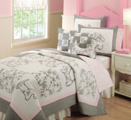 Fabulous  dog and to plete the look the set includes a matching Scottie shaped throw pillow For more information about the adorable Scottie dog bedding set