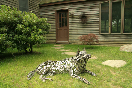 Husky Memorial by Williams: This dog sculpture is a memorial for a family's husky.