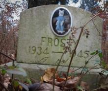 The Top Ten Weird, Creepy & Disturbing Pet Cemetery Tombstones