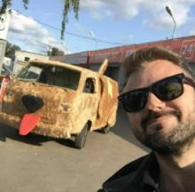 Clever Russian Actor Recreates Dumb And Dumber Van