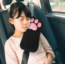 Cat's Paw Seat Belt Pillow Pad Does Pussyfoot Around